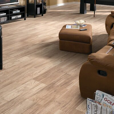 Belvoir Plus 8 x 48 x 8mm Laminate in Hickory Hill
