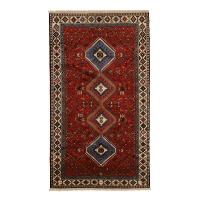 Middleton Traditional Hand-Knotted Wool Red Area Rug