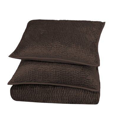 Delit Rayon Velvet Quilt Color: Chocolate, Size: King