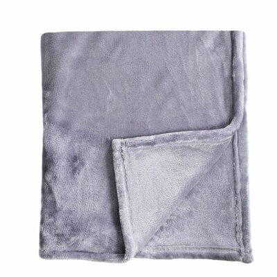 Bliss Velvet Fleece Throw Color: Amethyst