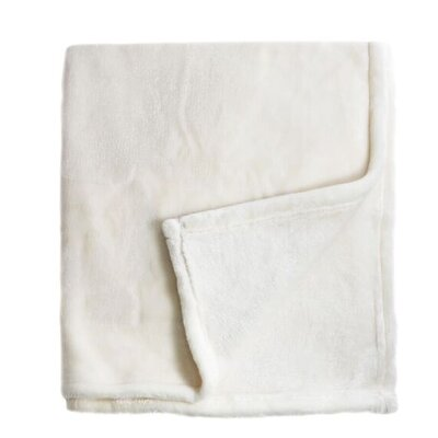 Bliss Velvet Fleece Throw Color: Ivory