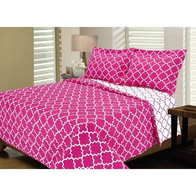 Lattice Reversible Quilt Set Size: King, Color: Bright Pink