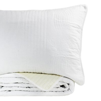 Plaza 100% Cotton Reversible Quilt Size: King, Color: White/Ivory
