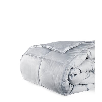 700 Fill Power All Season Down Comforter Size: King, Color: Cloud Gray