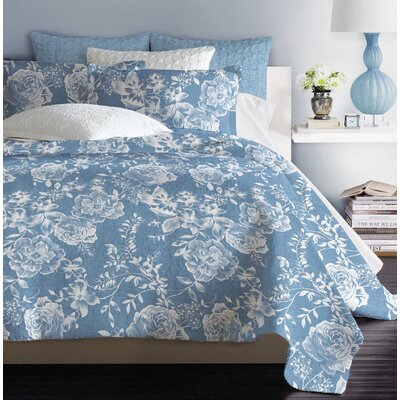 Atterbury Reversible Quilt Set Size: King