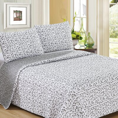 Ron Chereskin Reverisble Quilt Set Size: King, Color: Gray/White