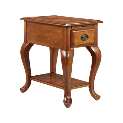 Shenandoah Chairside Table Color: Honey Oak