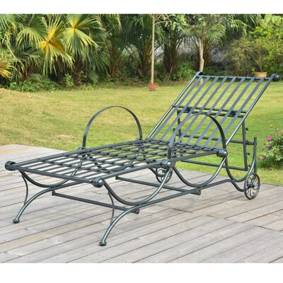 Snowberry Chaise Lounger Finish: Vertigris