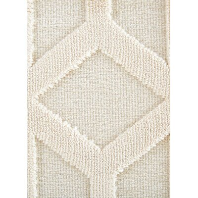 Helene Cream/White Area Rug Rug Size: 76 x 96