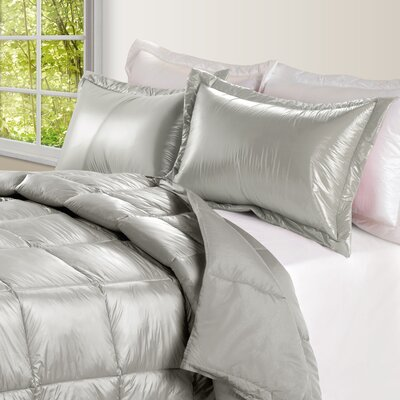 Ultra Light Nylon and Microfiber Down Alternative Indoor/Outdoor Comforter Size: King, Color: Silver