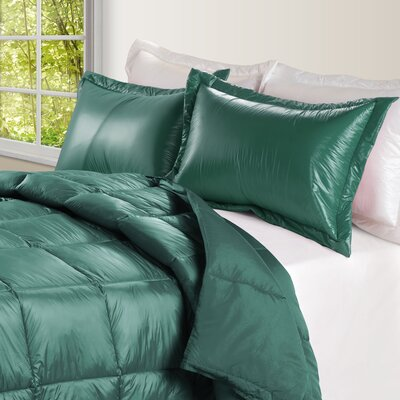Ultra Light Nylon and Microfiber Down Alternative Indoor/Outdoor Comforter Size: King, Color: Peacock