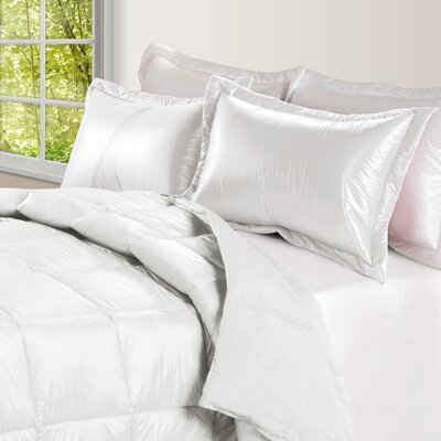 Ultra Light Nylon and Microfiber Down Alternative Indoor/Outdoor Comforter Size: Twin, Color: White