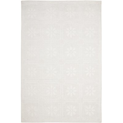 Martha Stewart Daisy Gls of Milk White Area Rug Rug Size: 6 x 9