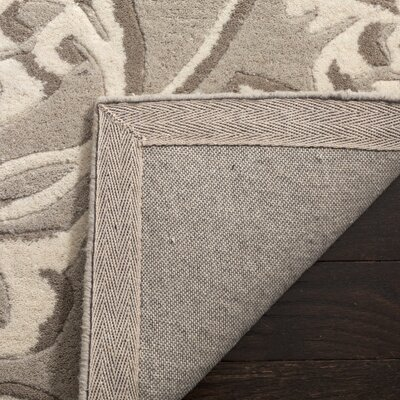 Martha Stewart Avalon Vine Tufted / Hand Loomed Gray/Beige Area Rug Rug Size: Rectangle 4 x 6