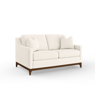 Bryanna Loveseat
