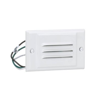 Horizontal Faceplate Step Light with Photocell