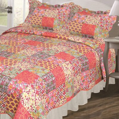 Vintage Madeline Quilt Set Size: Full / Queen