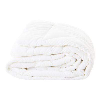 Down Alternative Comforter Size: California King