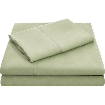 Hollander Microfiber Pillowcase Set Size: Queen, Color: Fern