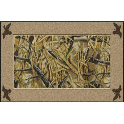 Realtree Wetlands Solid Border Green Area Rug Rug Size: 54 x 78