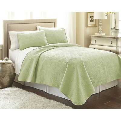 Vilano� Springs Quilt Set Size: King/California King, Color: Sage Green