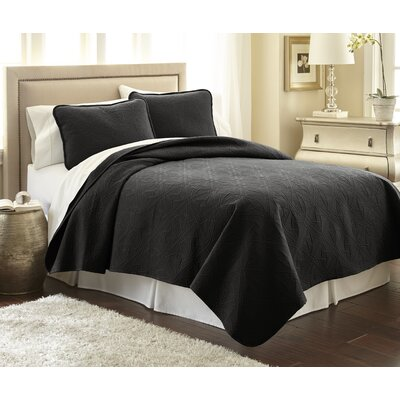 Vilano Springs Quilt Set Color: Black, Size: King/California King