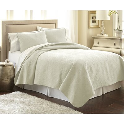 Vilano� Springs Quilt Set Size: King/California King, Color: Off White