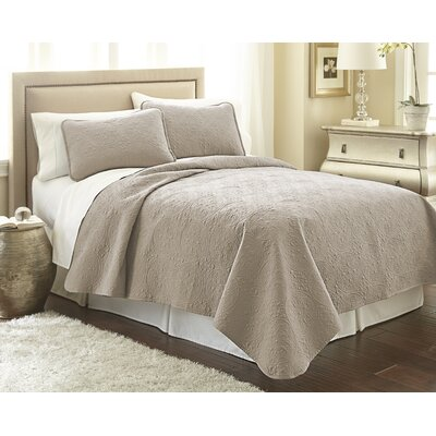 Vilano� Springs Quilt Set Size: Twin/Twin XL, Color: Taupe