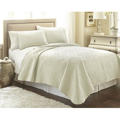 Vilano� Springs Quilt Set Color: Off White, Size: Full/Queen