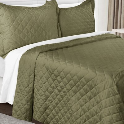 3 Piece Quilt Set Color: Sage Green, Size: King