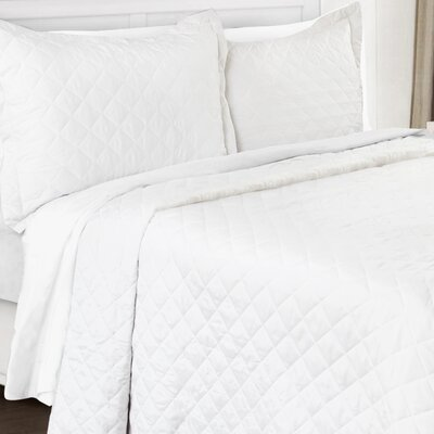 3 Piece Quilt Set Color: White, Size: Queen