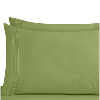 Lizzie 1800 Thread Count Pillow Case Size: King, Color: Calla Green