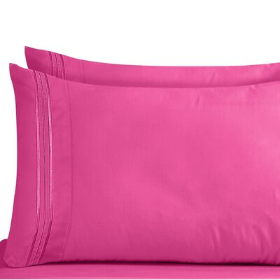 Lizzie 1800 Thread Count Pillow Case Size: Standard, Color: Magenta
