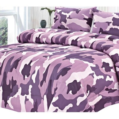 Camouflage All Season Down Alternative Comforter Size: King