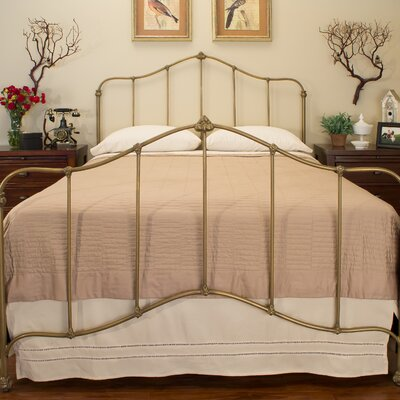 Carson Panel Bed Size: California King