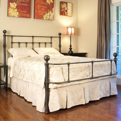 Hyannis Panel Bed Size: California King