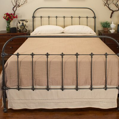 Hartford Panel Bed Size: Double