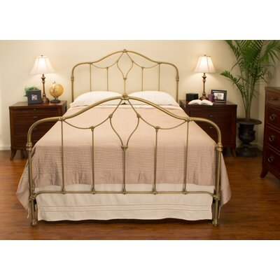 Clayton Panel Bed Size: California King