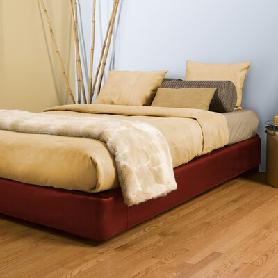Upholstered Panel Bed Size: Full, Color: Avanti Apple