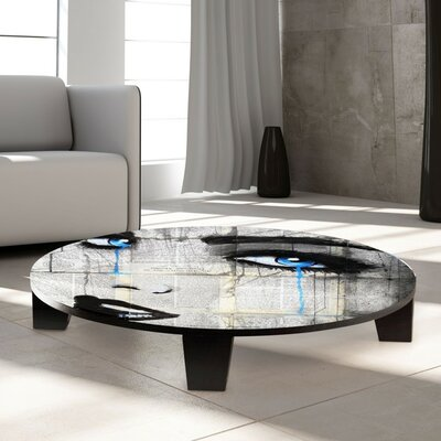 Coffee Table Size: 35 W x 35 D