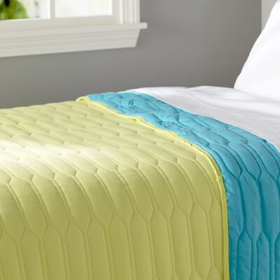 Robin Reversible Quilt Color: Turquoise, Size: Full