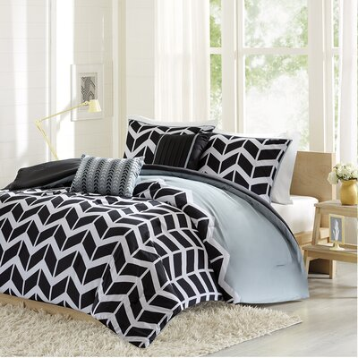 Willard Comforter Set Size: Full / Queen