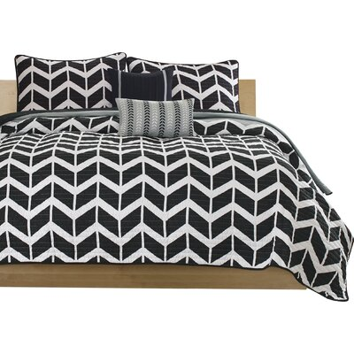 Willard Quilt Set Size: Twin / Twin XL, Color: Black