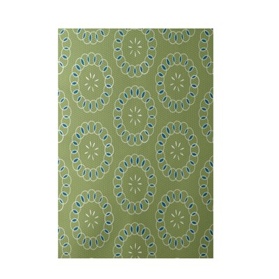 Alexis Floral Print Avocado Indoor/Outdoor Area Rug Rug Size: 5 x 7