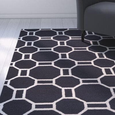 Evangeline Hand-Tufted Indigo Indoor/Outdoor Area Rug Size: Round 8
