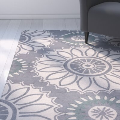 Evangeline Hand-Tufted Gray Floral Indoor/Outdoor Area Rug Size: Round 8