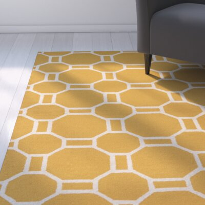 Evangeline Hand-Tufted Gold Indoor/Outdoor Area Rug Size: Round 8