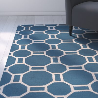 Evangeline Hand-Tufted Marine Blue Indoor/Outdoor Area Rug Size: Round 8