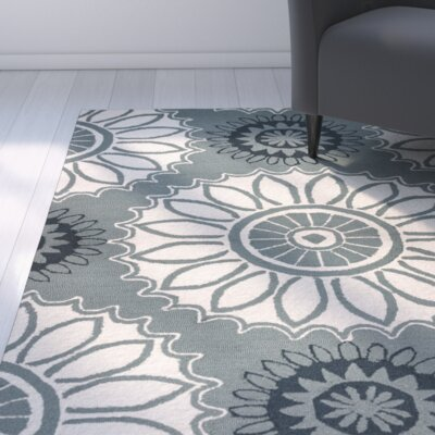 Evangeline Hand-Tufted Dark Sage Floral Indoor/Outdoor Area Rug Size: Round 8