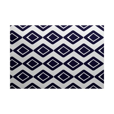 Elaine Blue Indoor/Outdoor Area Rug Rug Size: 5 x 7